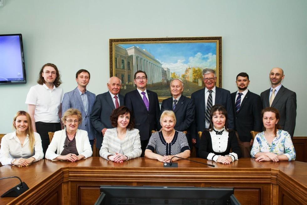 Сотрудники ,международное право, европейское право, права человека
