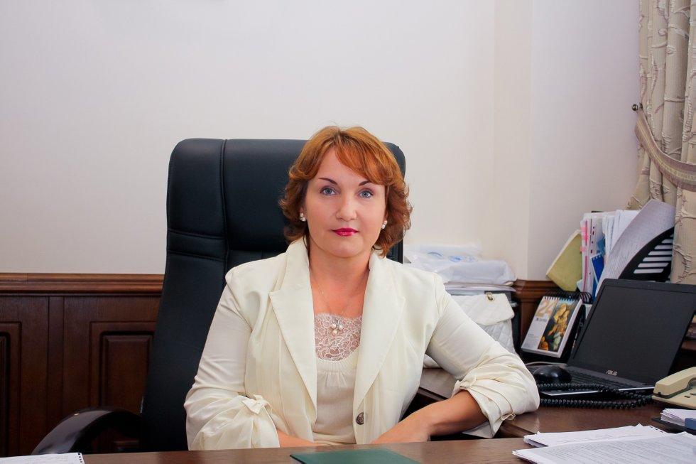 Бакулина Лилия Талгатовна ,декан, юридический факультет, исполняющий обязанности