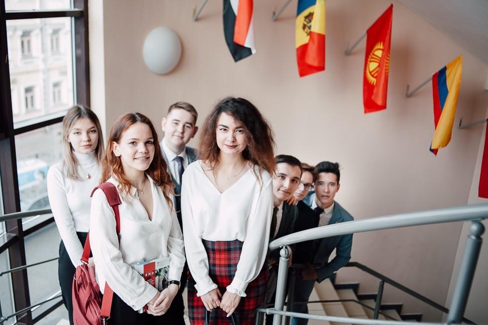 Высшая школа иностранных языков и перевода ,ИМО, Высшая школа иностранных языков и перевода