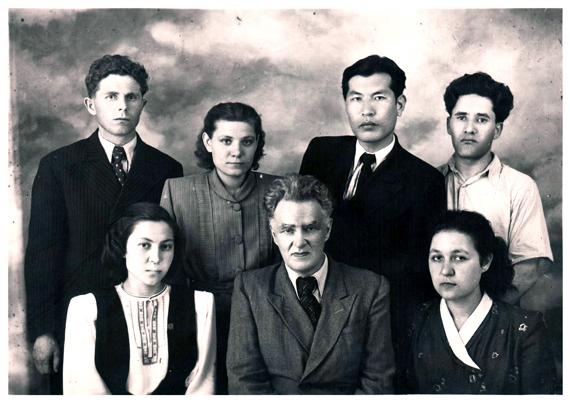 Б.М. Гагаев с учениками
