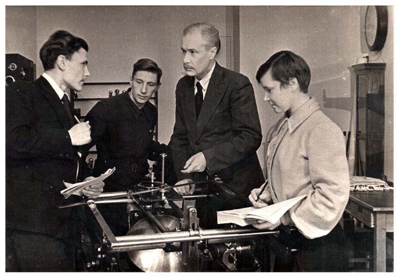 А.А. Яковкин со студентами