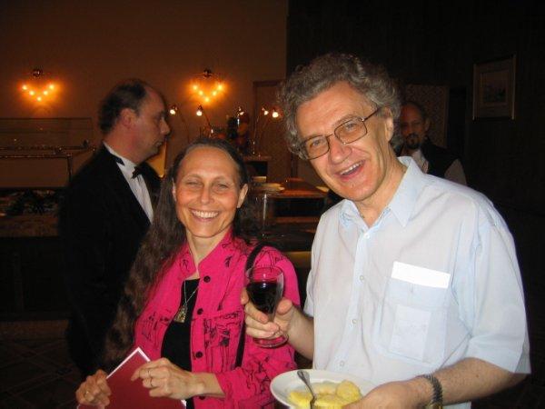 После успешного совместного доклада с Лорой Яндой (Москва, конференция МАКИ, 2008)