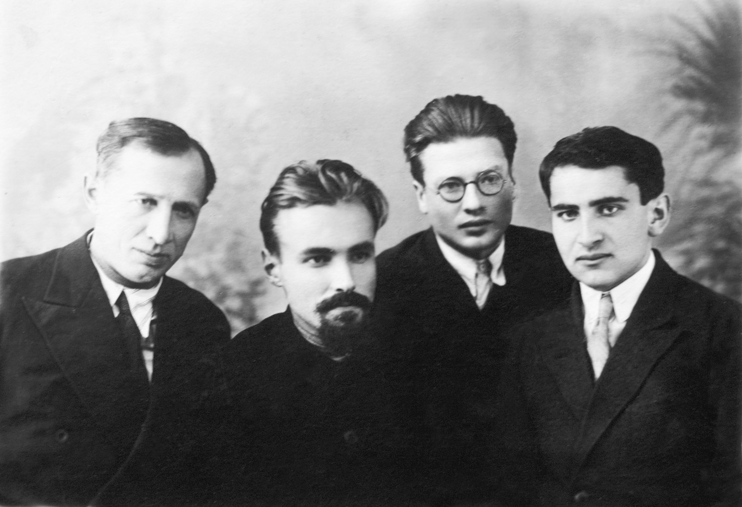 Н.Г. Чеботарев и его ученики: В.В. Морозов, И.Д. Адо,Н.Н. Мейман
