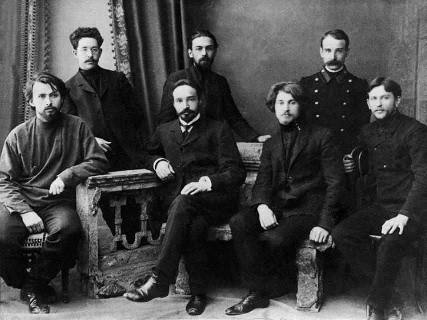 М.Э. Ноинский с учениками