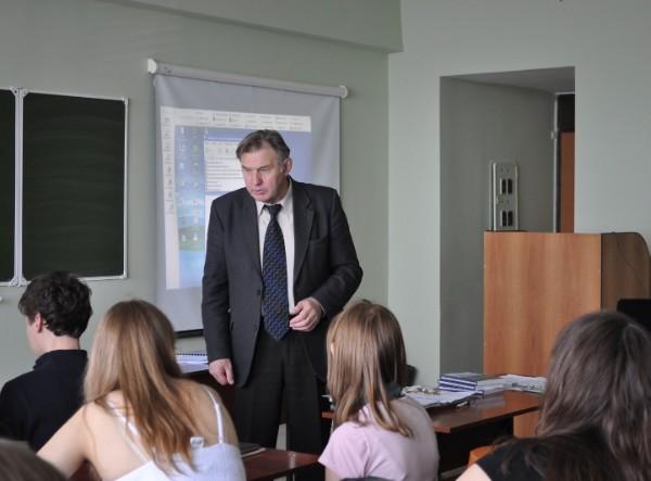 На лекции профессора Переведенцева Ю.П.