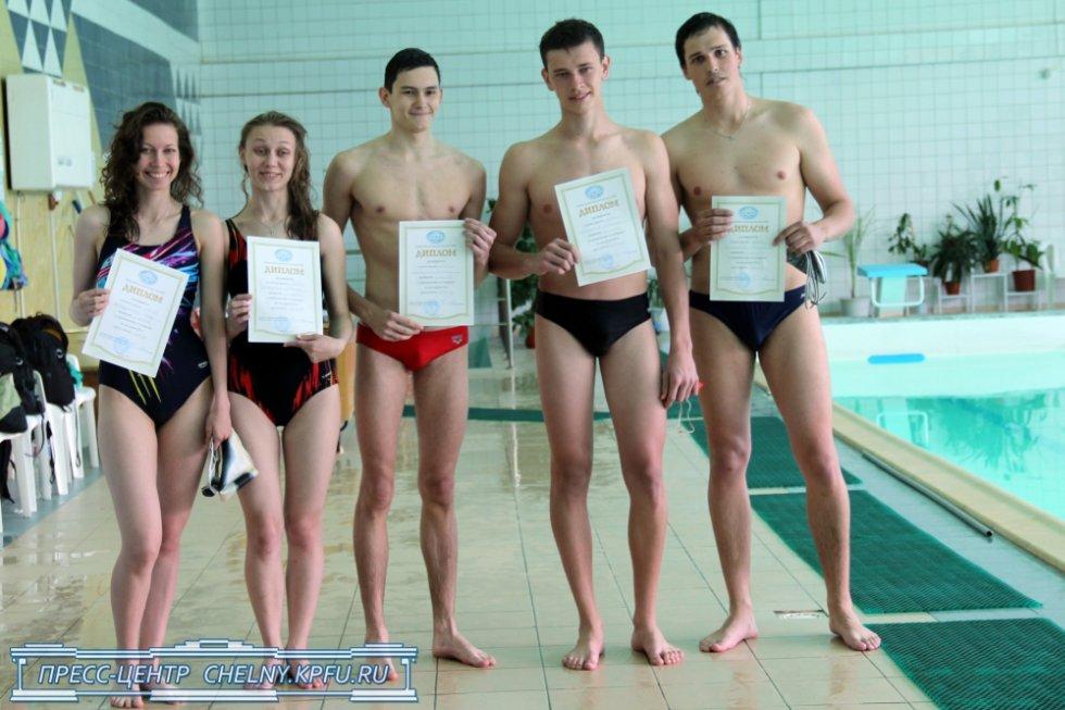 Фото студенты в бассейне 3