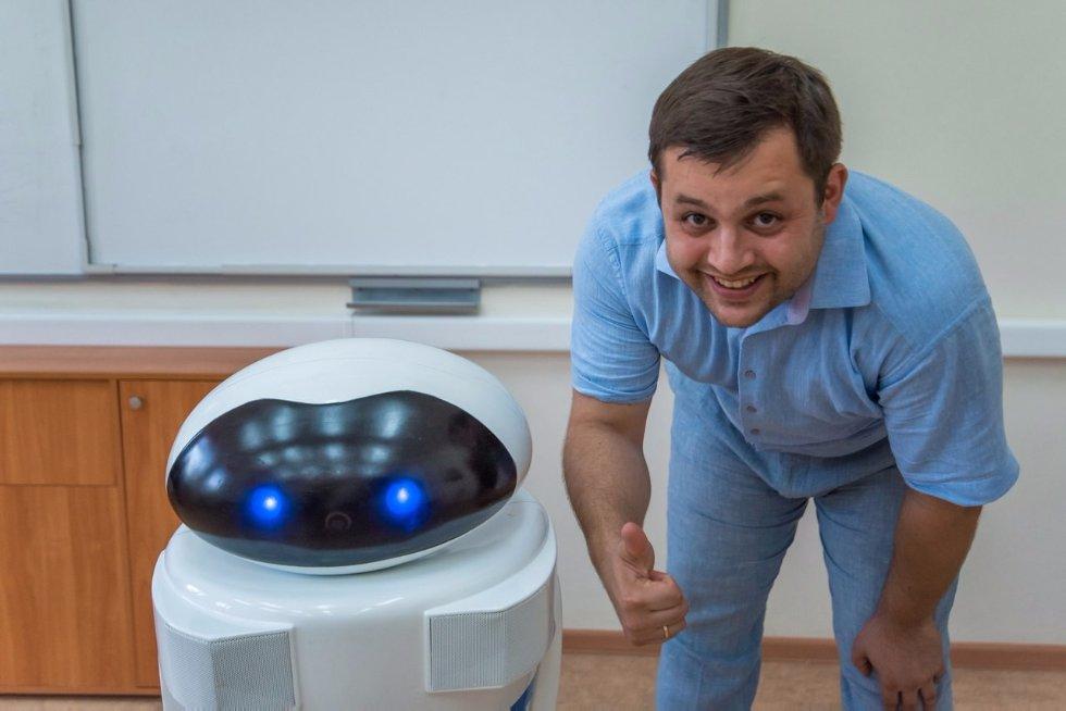В IT-лицее Казанского университета появится первый в России робот-учитель ,робот-учитель