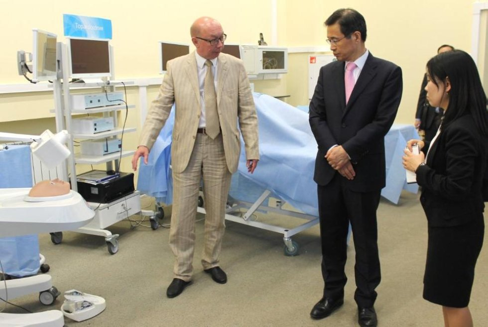 Ambassador Park Ro-byug of South Korea Ready to Work on Further Expansion of Cooperation ,South Korea, Medical Simulation Center, ITIS, ICMIT, IFMB, Samsung, Android