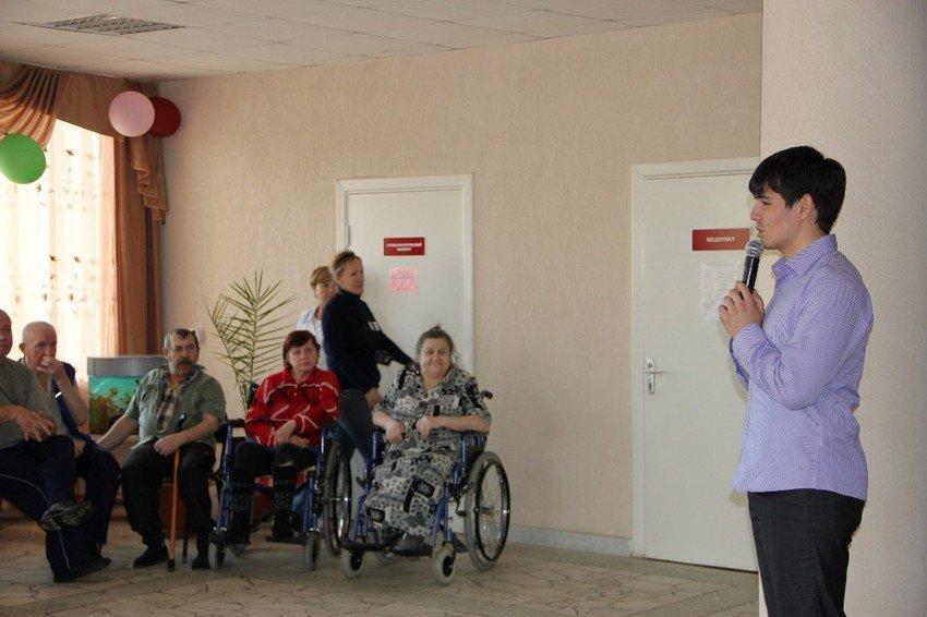 Студенты в домах престарелых лечение престарелых на дому